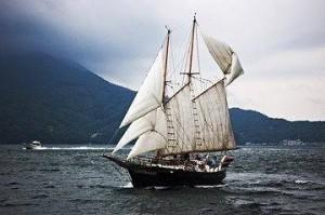 日本製木造スクーナ帆船AMI号
